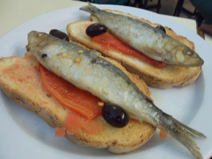 Can Vilaró: torrades de sardina